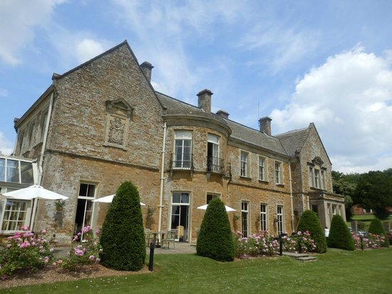 Wyck Hill House Hotel & Spa: Terrace