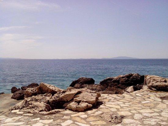 Luna Island Hotel : dalla spiaggia dell'albergo 2