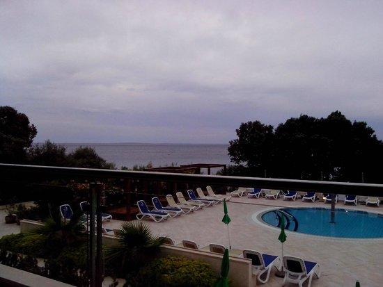 Luna Island Hotel : terrazza lounge bar