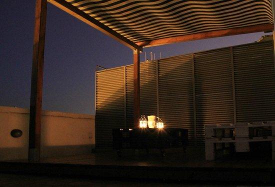 Torre Cielo e Mare Bed & Breakfast: Terrazzo di sera