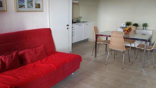 Residenza Borgo Punta Villa: particolare zona giorno con angolo cottura