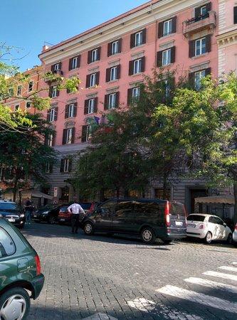 Mecenate Palace: Hotel exterior