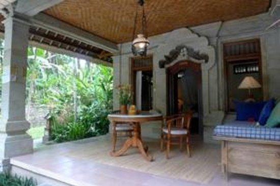 Kebun Indah : Sandat Room