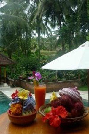 Kebun Indah : Pool drink