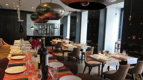 Iberostar Grand Hotel Budapest: Restaurant Inside