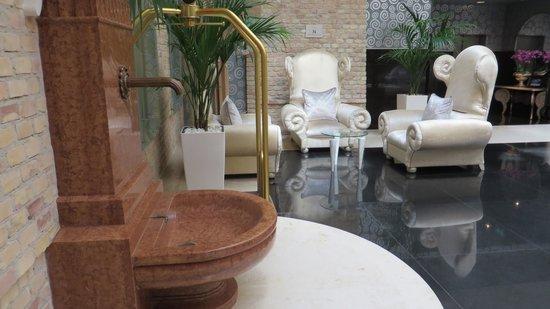 Iberostar Grand Hotel Budapest: hotel hall