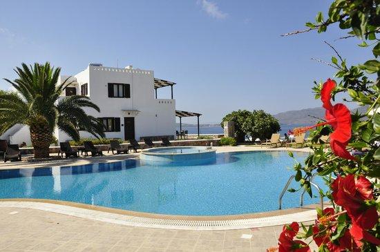 Santa Maria Village: kamer aan het zwembad