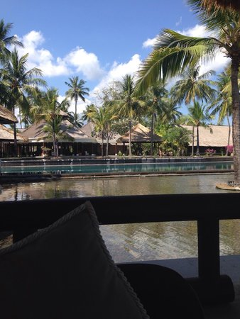 The Oberoi, Lombok : From a cabana towards reception