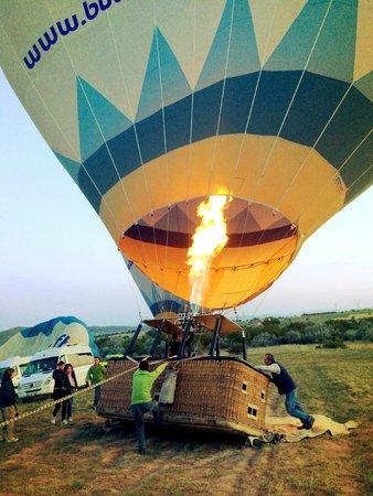 Butterfly Balloons : Firing up the balloon!