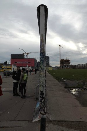 East Side Gallery: East and West meet