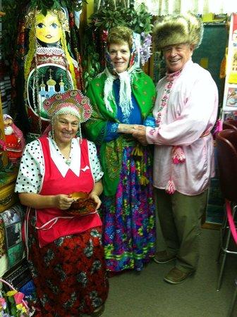 Samovar Cafe: Becoming Russian (momentarily) with Nina