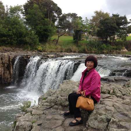Waitangi Treaty Grounds : Haruru Falls