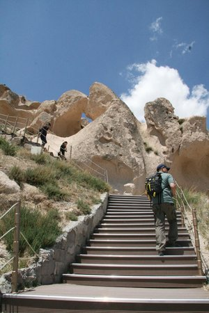 Uchisar Castle: The hike up to the top