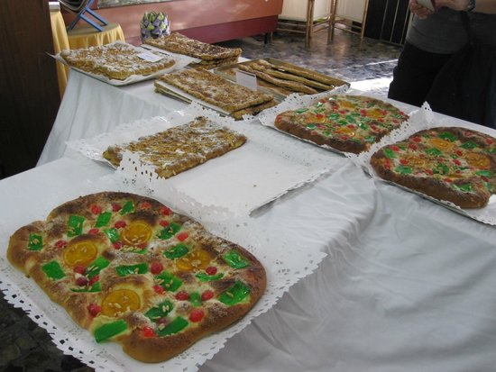 Barcelona Culinary Backstreets Walks: You will have coffee and some of these yummy baked goods.