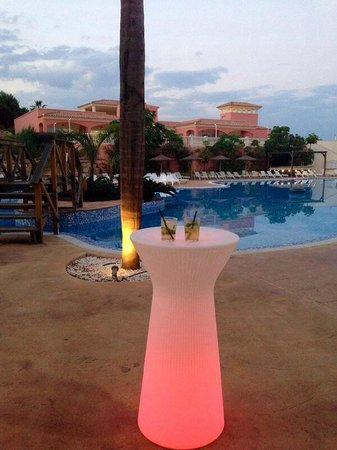 Hotel Bonalba : Mojito au bord de l'eau