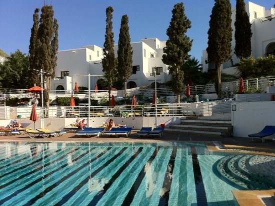 Caribbean Village Agador : piscina sotto la stanza