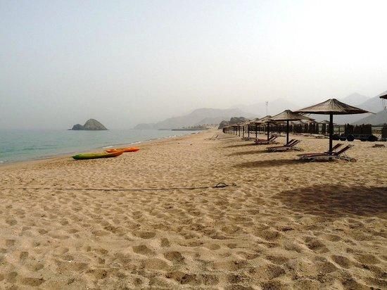 Miramar Al Aqah Beach Resort: Beach