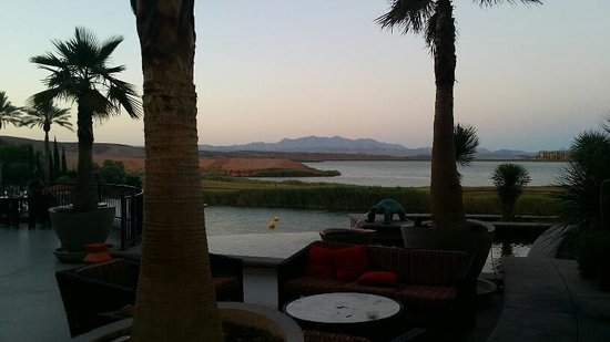 The Westin Lake Las Vegas Resort & Spa : Nice view but check the table.  This was hours AFTER they started coming through to wipe them do