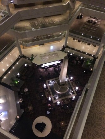 Hyatt Regency Perth : Looking down to Lobby area.