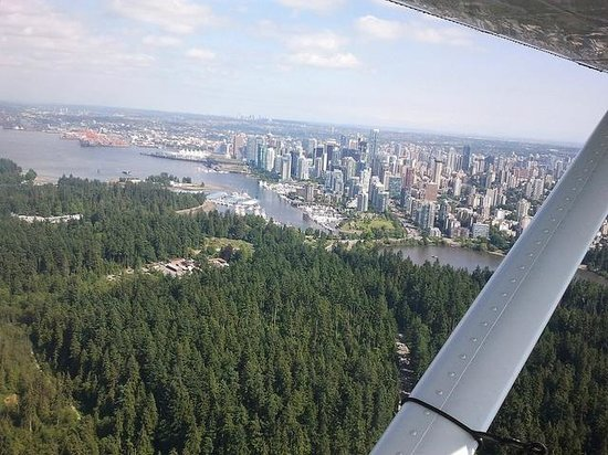Harbour Air Seaplanes: Over Stanley Park Vancouver