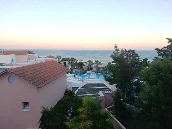 Mitsis Rhodos Village Beach Hotel : view from the room