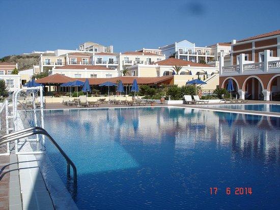Atlantica Porto Bello Royal: More swimming pools (nobody in them)