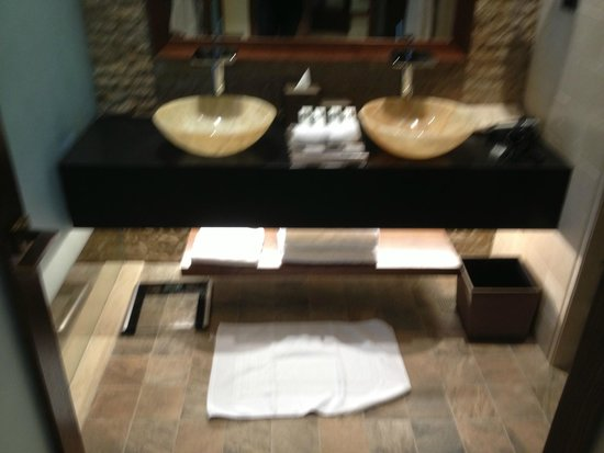 Sofitel Dubai The Palm Resort & Spa: ванна