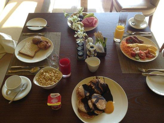 Sofitel Dubai The Palm Resort & Spa: завтрак