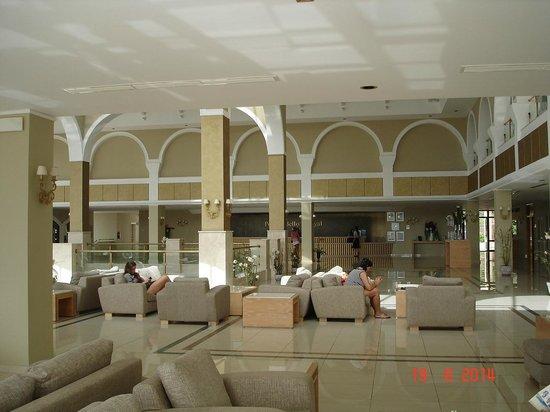 Atlantica Porto Bello Royal: Lobby