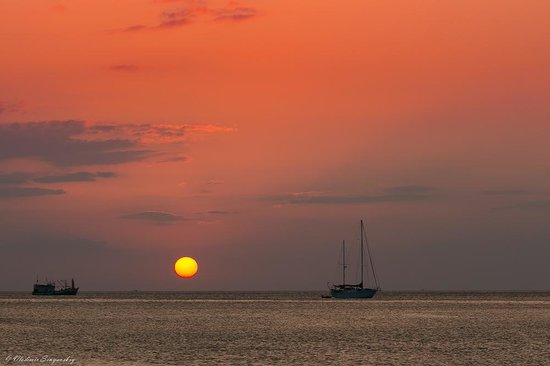 Nai Harn Beach: Пляж Най Харн