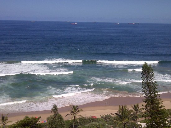 Umhlanga Main Beach : View from my apartment in the morning. Who wouldnt want to wake up to this everyday!