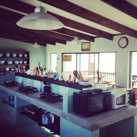 Mossel Bay Backpackers: One of the best self catering kitchens I've seen