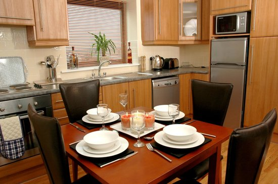 Centrepoint Apartments: Kitchen / Diner