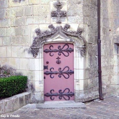 Porte menant une tour dans la cour d 39 honneur du ch teau for Porte de cour