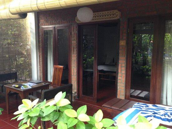 Tropical Bali Hotel : Entrée de la chambre