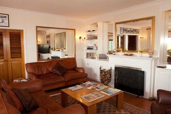 The Bay Atlantic Guest House: Guest Lounge Area