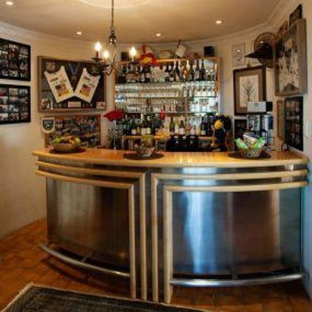 The Bay Atlantic Guest House: Guest Bar