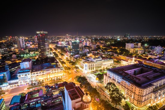 Caravelle Saigon: Caravelle Hotel- Saigon by night