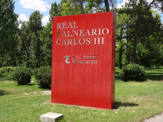 Hotel Balneario TermaEuropa Carlos III : Anuncio en la entrada