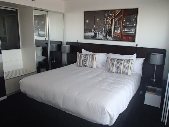 Oaks Grand Gladstone: Bedroom