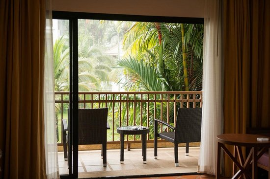 Naithonburi Beach Resort: номер