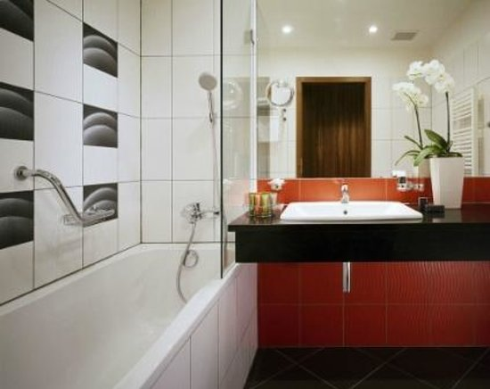 Silenzio Hotel: Bathroom