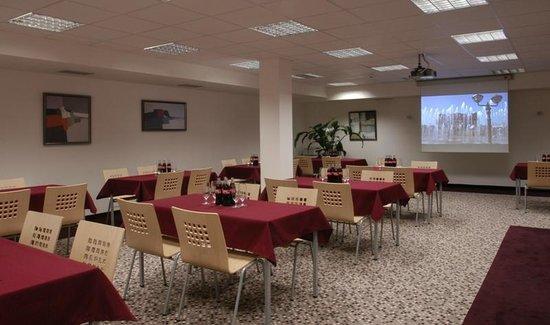 Silenzio Hotel: Meeteng Room