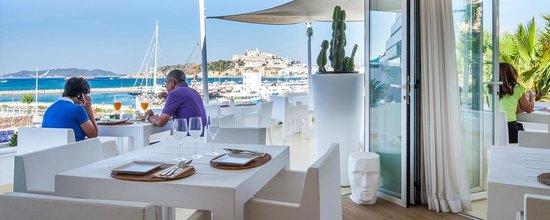 RocaMar Hotel: Desayuno en la terraza