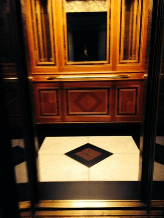 The Hotel - Brussels: sumptuous lift