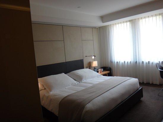 Conservatorium Hotel: номер Делюкс