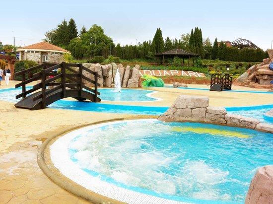 Cerceda, إسبانيا: Aquapark Cerceda piscinas
