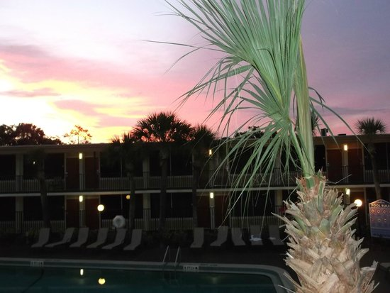 Ramada Kissimmee Gateway: Gorgeous sunset