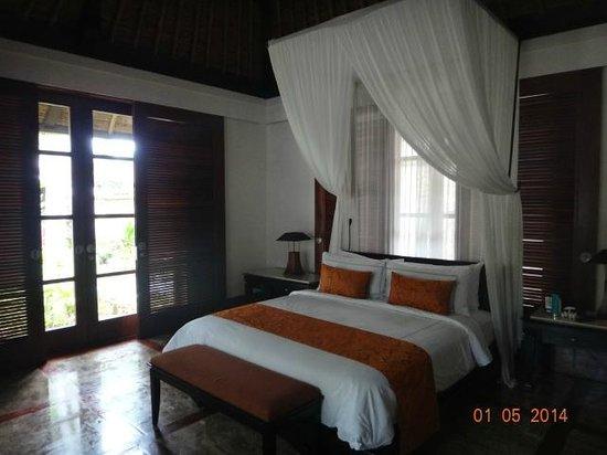 Four Seasons Resort Bali at Jimbaran Bay : Одна из спален 3 bedroom villa