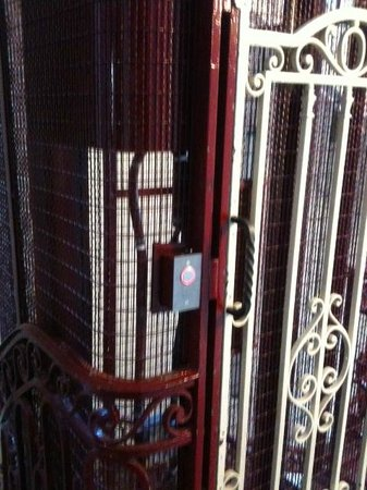 Montpensier: elevator